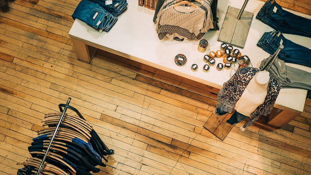 Design Retail Summer Header